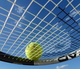 Épicondylite : « tennis elbow » ou « golfer's elbow »?